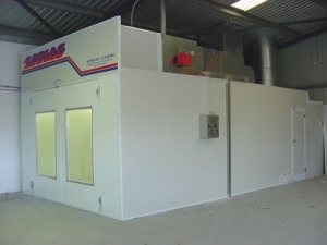 The 'ZODIAC' Semi Downdraft Spray Booth & Baking Oven